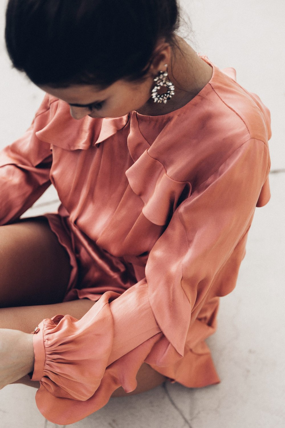 Pink_Jumpsuit-Zimmermann-Topknot-Statement_Earrings-Street_Style-Palm_Springs-Outfit-Collage_Vintage-46-1800x2700.jpg