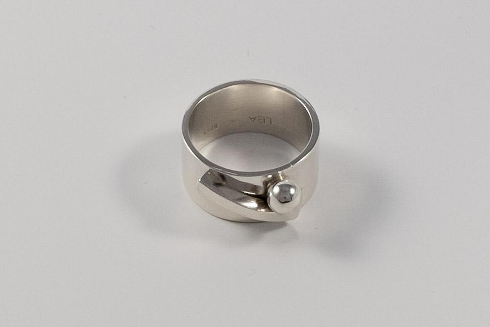 Solgt. Bred sølvring. Unika