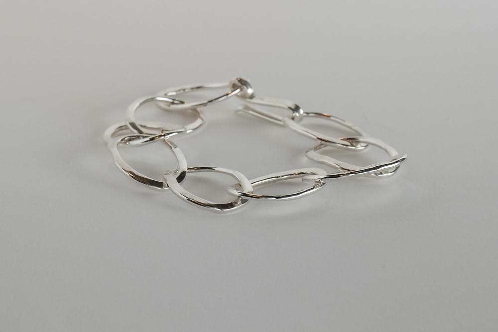 Pris dkk 1650. Armbånd i sterling sølv