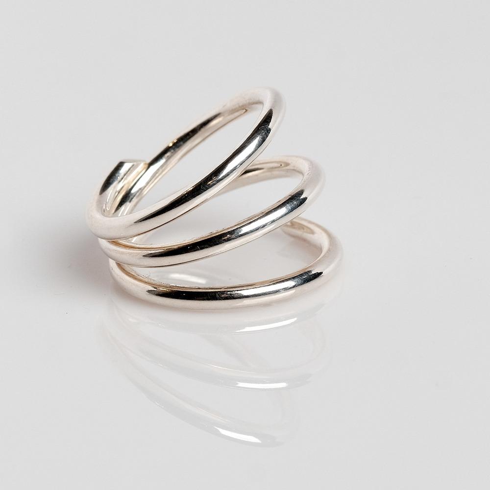 Pris: 950 Sølvring med 3 snoninger