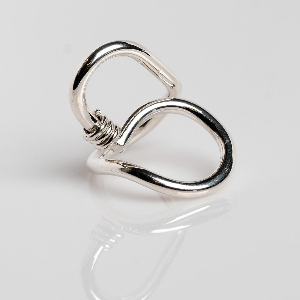 Pris: 1450 Sterling sølv i kraftig tråd