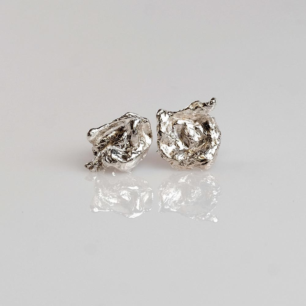 Pris dkk 485 Sterling sølv blomster øreringe