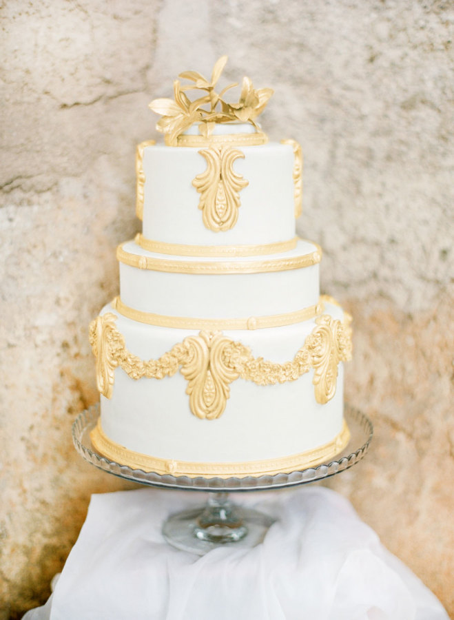 12 Classic Gold Wedding Cake By Farfalla Di Zucchero Capri
