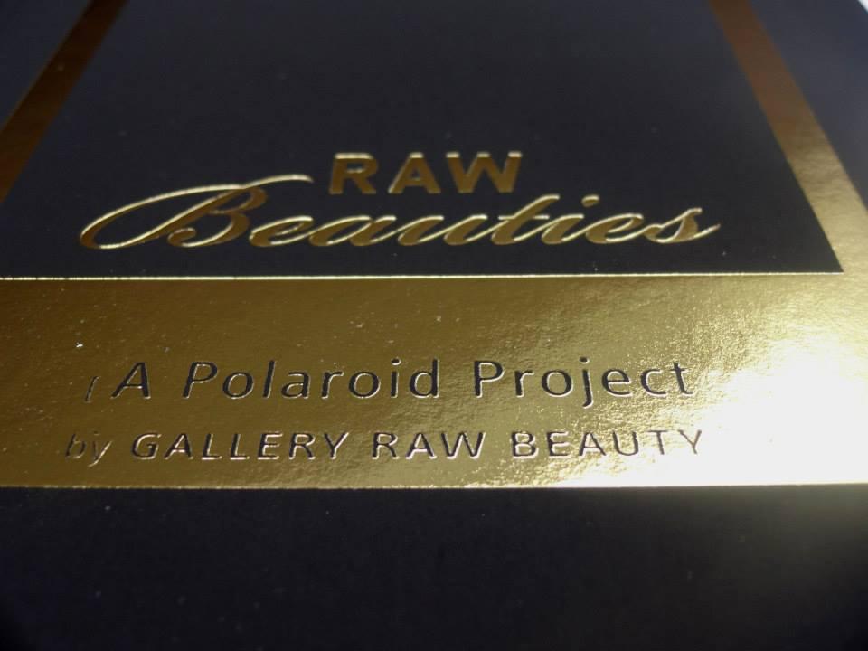 Heißfolienprägung/Cover: RAW BEAUTIES