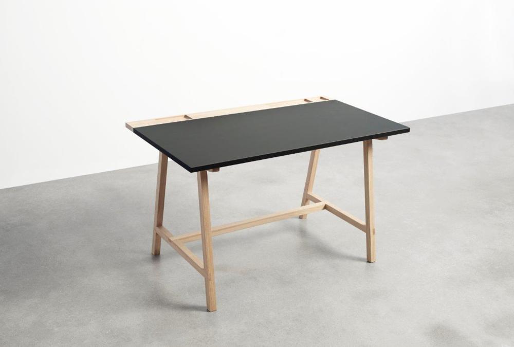 Andersen D1 desk