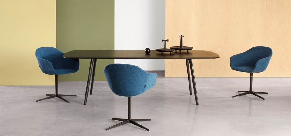 Modus Quiet chair and Mix table at Morlen Sinoway
