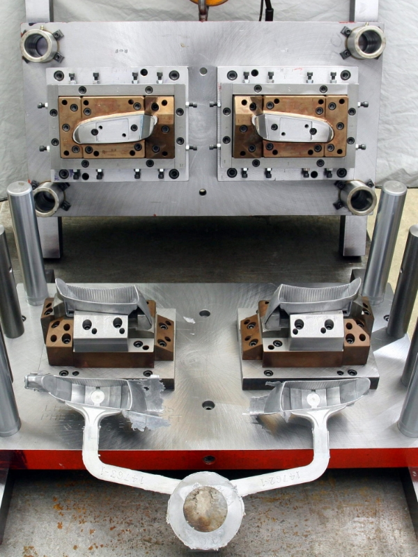 double compound trim dies are an efficient trim solution for complex castings.
