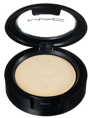 mac-cream-colour-base-pearl-en.jpg
