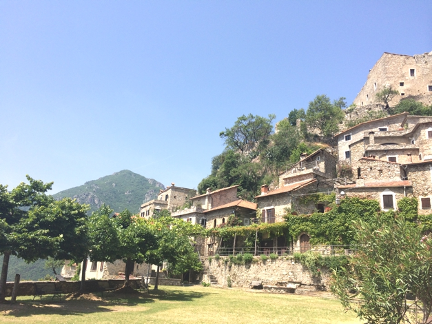 Weekend in Castelvecchio, Finale, Italy, Sophie RadcliffeWeekend in Castelvecchio, Finale, Italy, Sophie Radcliffe