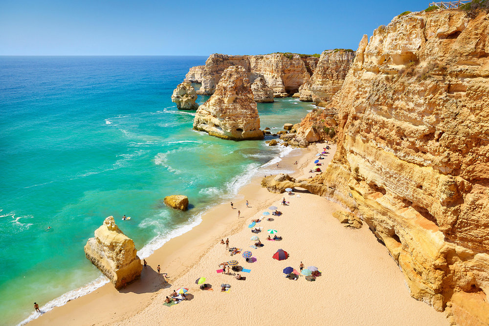 Praia da Marinha - nacionalidade portuguesa