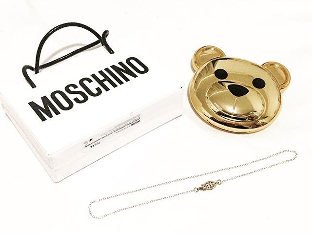 The #sephoraxmoschino collection looks so good with my Monica choker! @sephora @moschino #glam