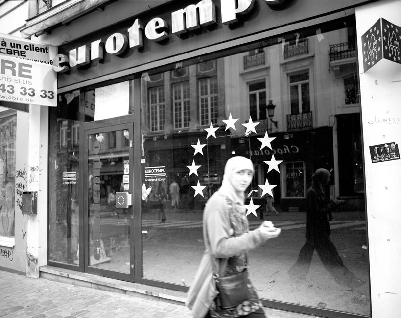 24-13 Girl, Brussels88.jpg