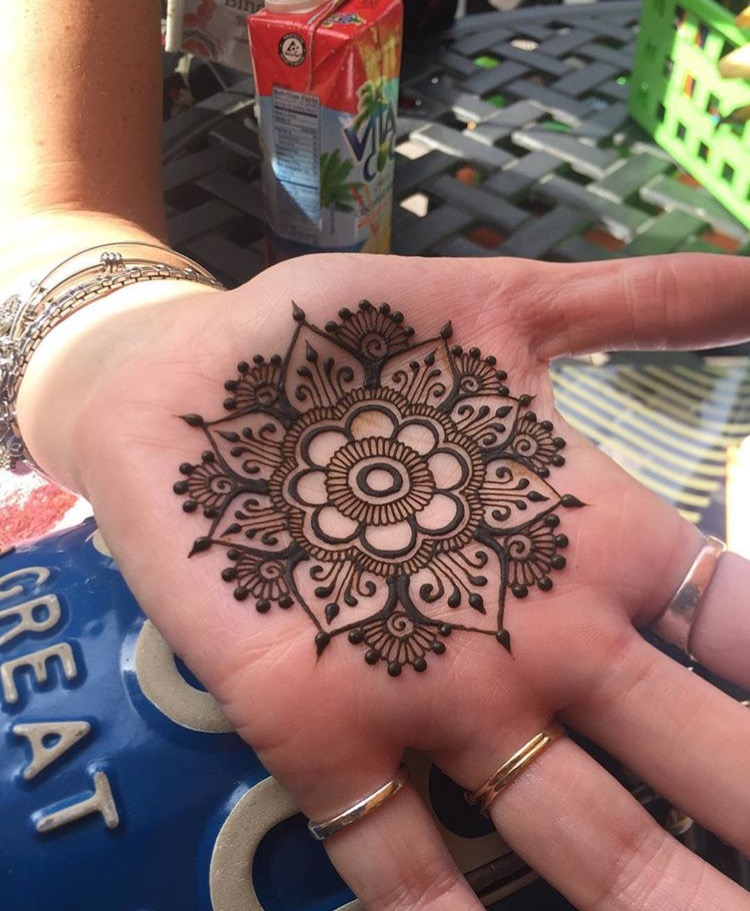 Mandala done on a palm at Henna Con.