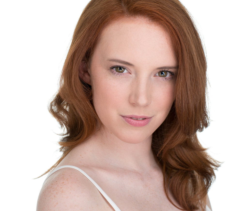 Kesley Moorefield- Headshot copy-3.jpg