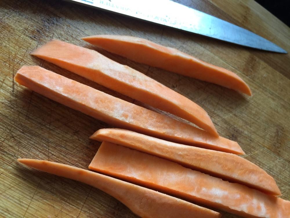 eating_understood_knife_and_fries.JPG