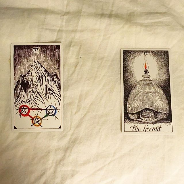 #theoctobertarot, Day 12  Lulz, there's a pretty clear narrative in this one. The draining energy card is about teamwork and cooperation, the solution card is introspection and productive self-isolation. You don't have to tell this misanthrope that story more than once...I accept. 😊 —— What active energy is draining me? / Three of Pentacles / job or career, teamwork, group focus How do I change this to something empowering? / The Hermit / solitude, meditation, self-awareness, self-examination, choosing a new path