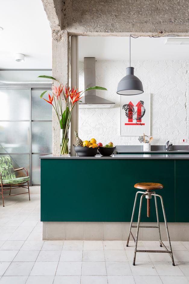 Brazilian flat renovated by RSRG Architects