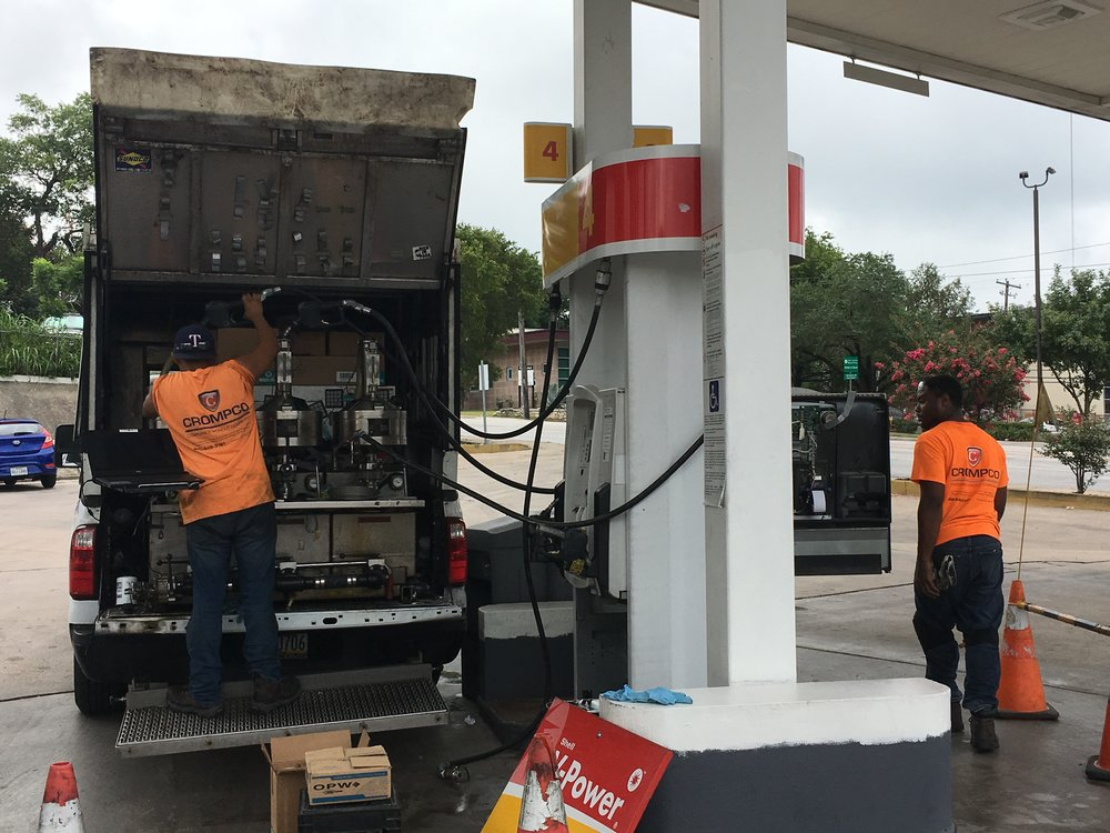 Gas Pump Crew.JPG