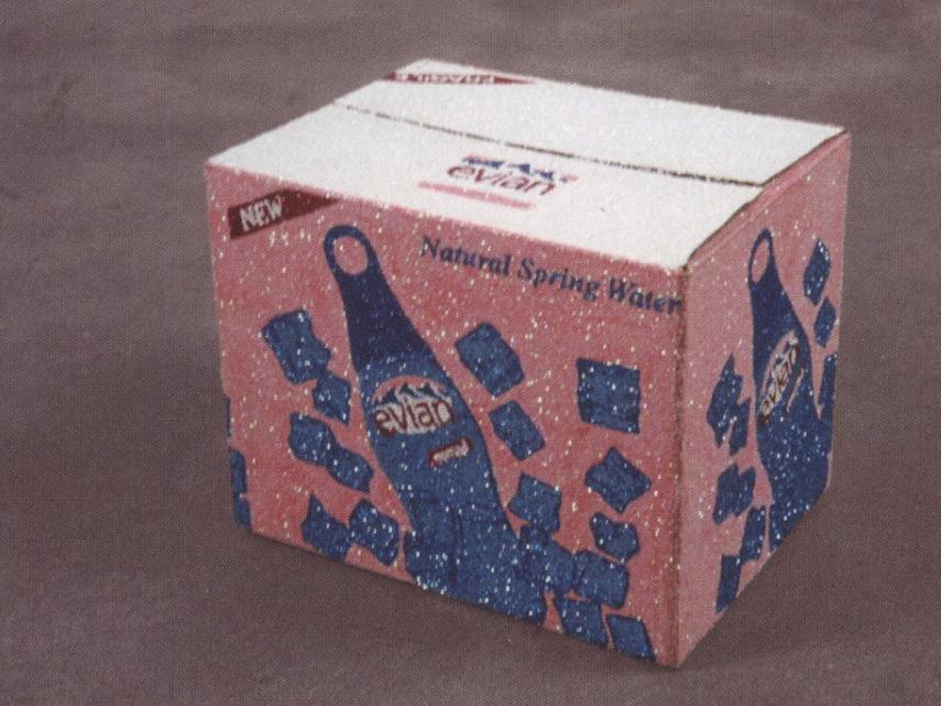Un Carton de Evian Nomad