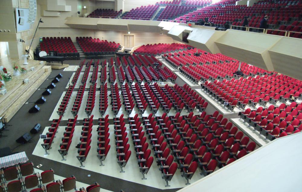 visions arts centre - seoul, korea  QUATTRO CLASSIC SERIES CHAIRS