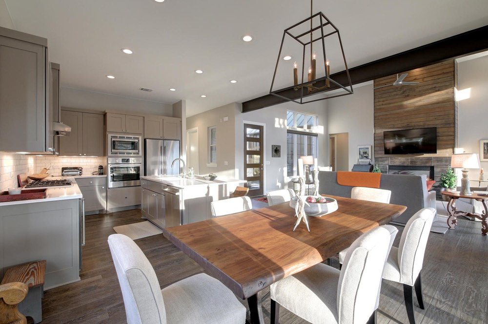 213-grove-court-large-024-13-family-kitchen-dining-017-1500x999-72dpi.jpg