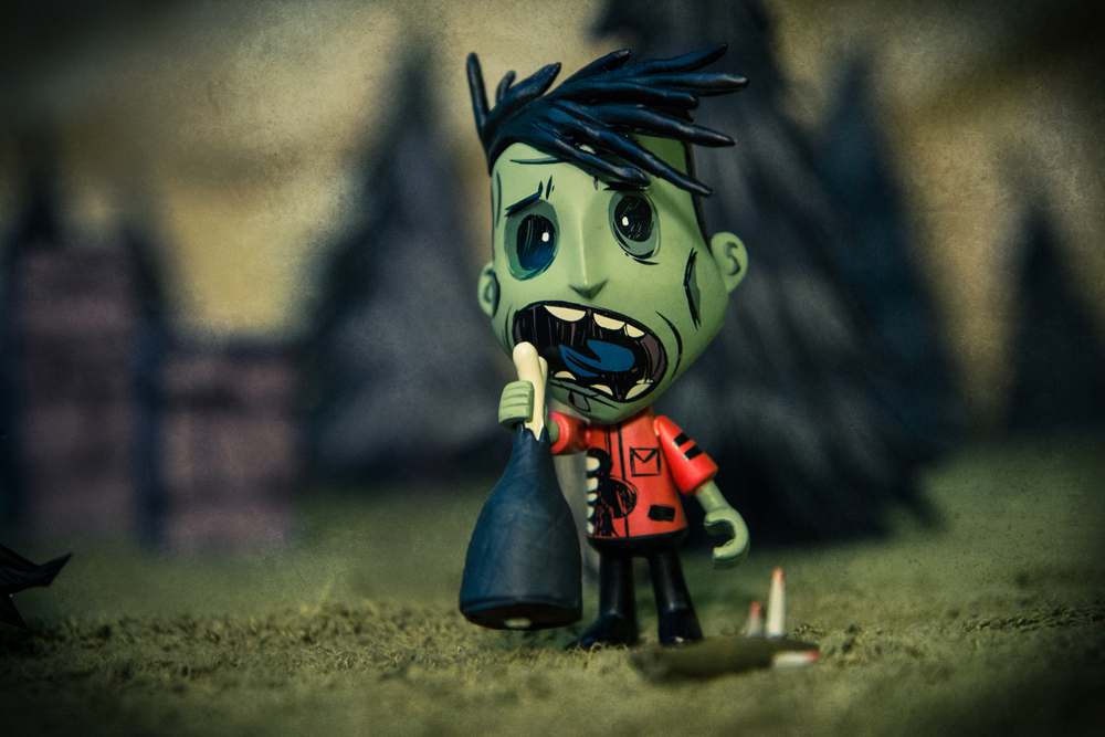 Don't Starve Zombie Wes figure