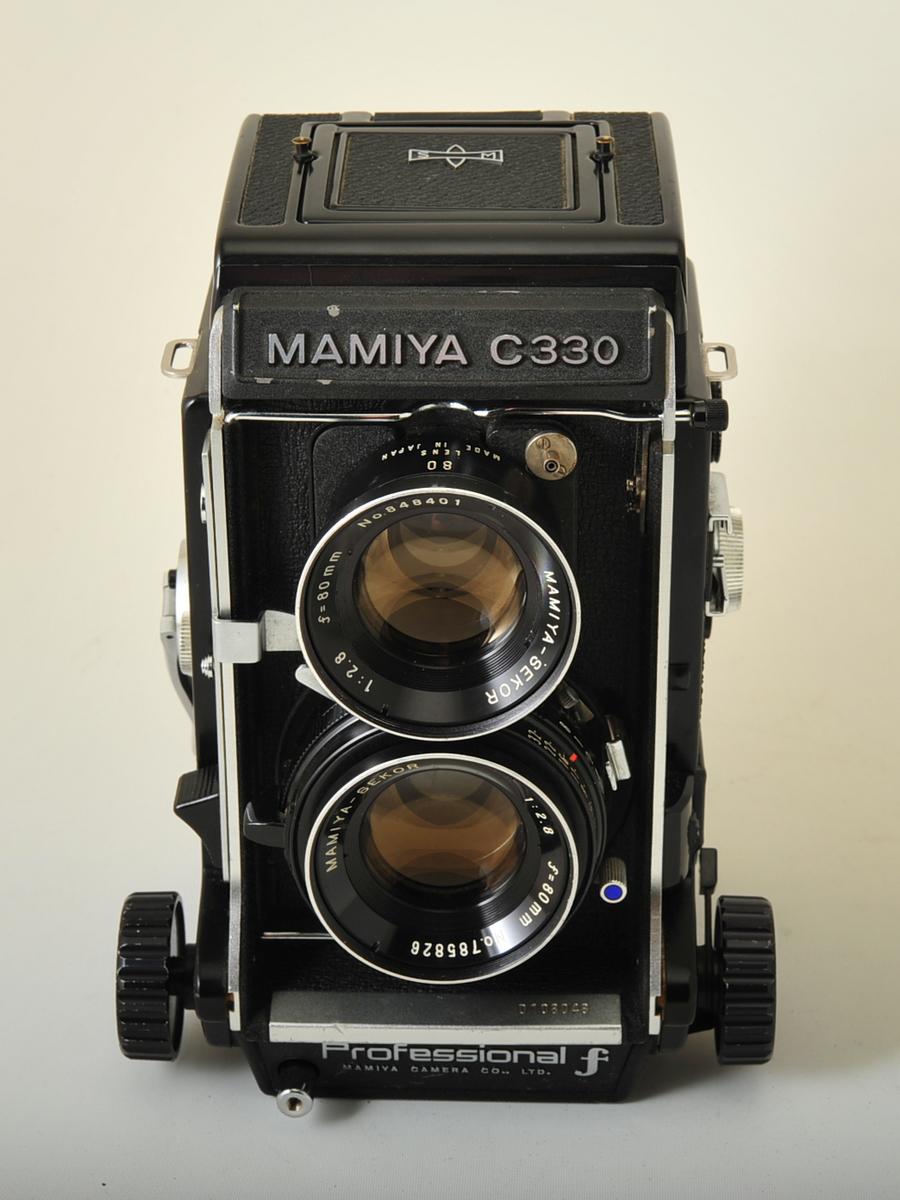 Mamiya C330f with 80mm f/2.8 lens