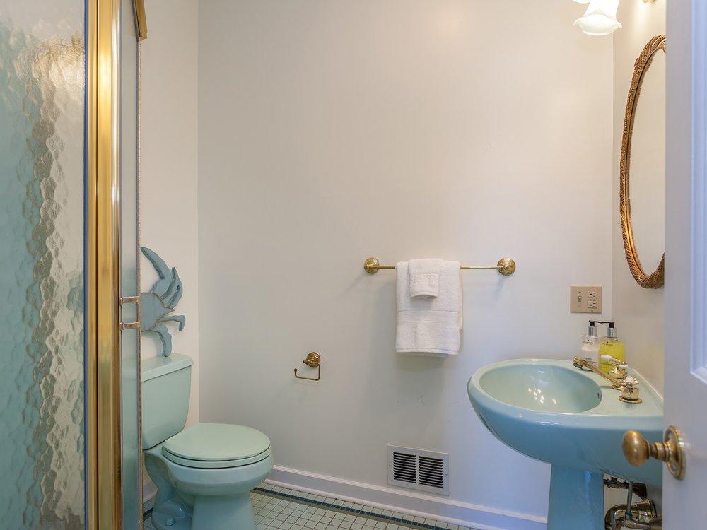 bathroom2_sm.jpg