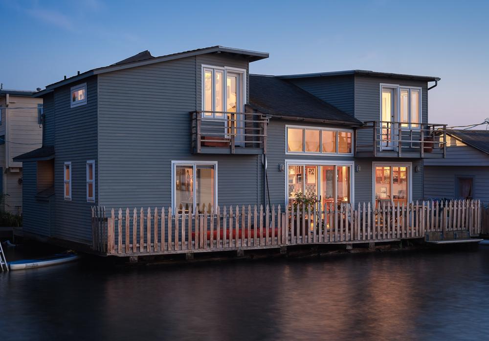Floating home on Lake Union. Twilight. Seattle, Washington