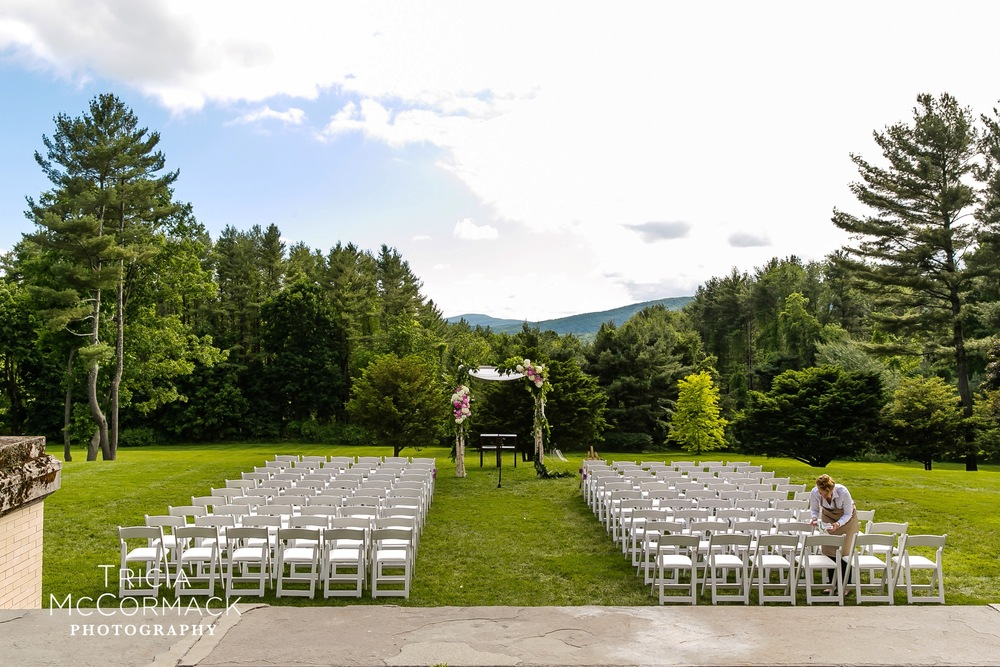 Wheatleigh ceremony lawn.jpg