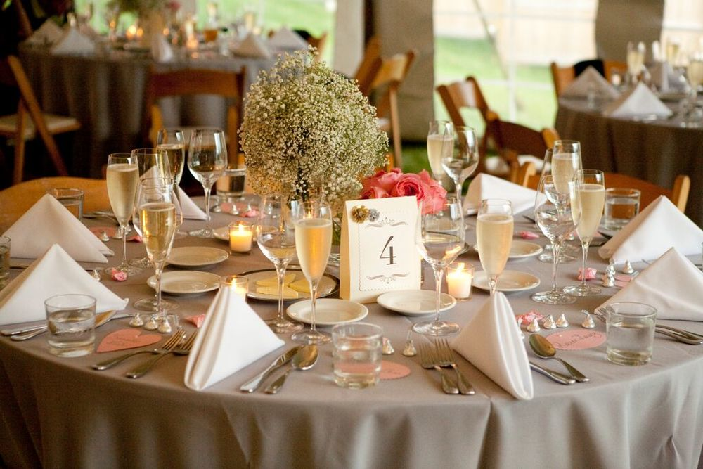 Table setting round Kemble Inn.jpg
