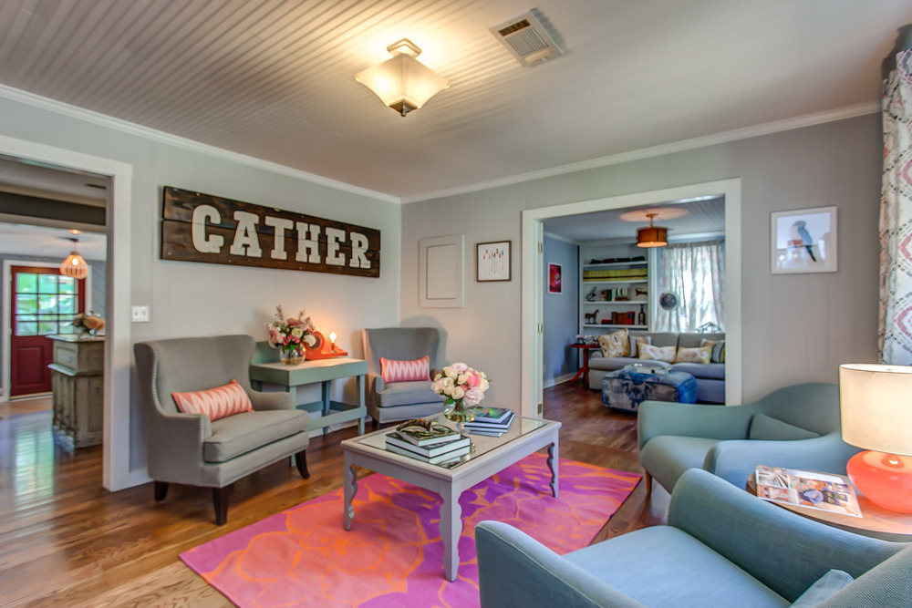 The bright and cheerful Coda Cottage is the perfect place to gather with family and friends on your Tennessee vacation | Pot N' Kettle Cottages