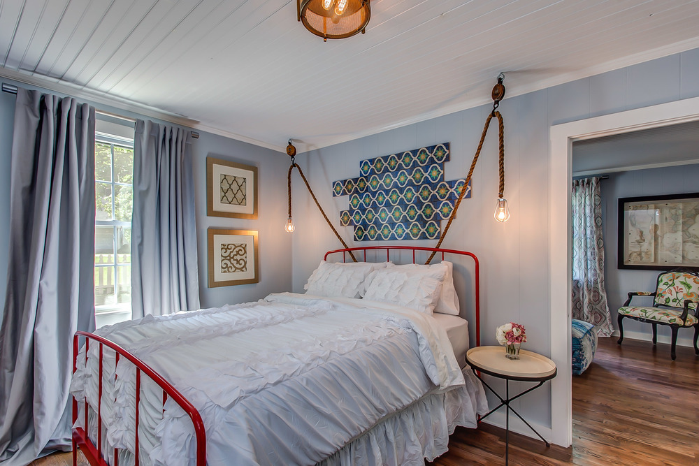 Unique modern style in the bedroom at the Coda Cottage | Pot N' Kettle Cottages