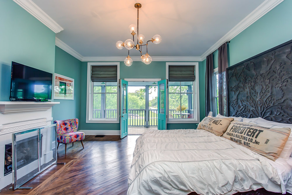 The master suite at Leiper's Fork Air BNB| Pot N' Kettle Cottages