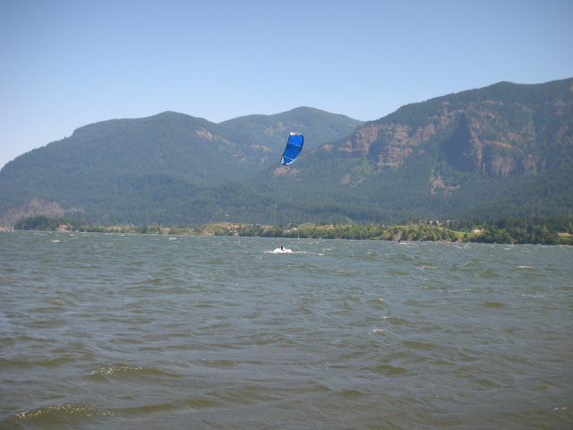 Kiteboarding in beautiful Stevenson, Washington, sandwiched between big basalt cliffs and waterfalls.