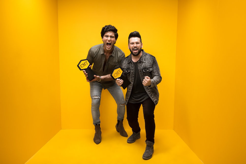 DAN-AND-SHAY-CMT-MUSIC-AWARDS-YELLOW-BOX-PHOTO-RSB.jpg