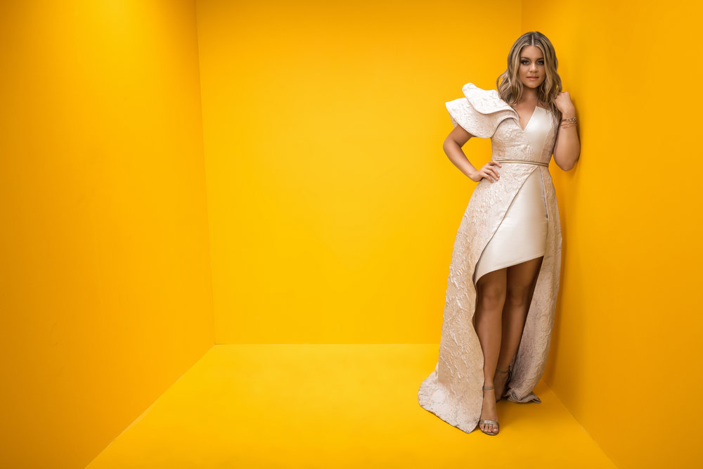 LAUREN-ALAINA-CMT-MUSIC-AWARDS-YELLOW-BOX-PHOTO-RSB.jpg