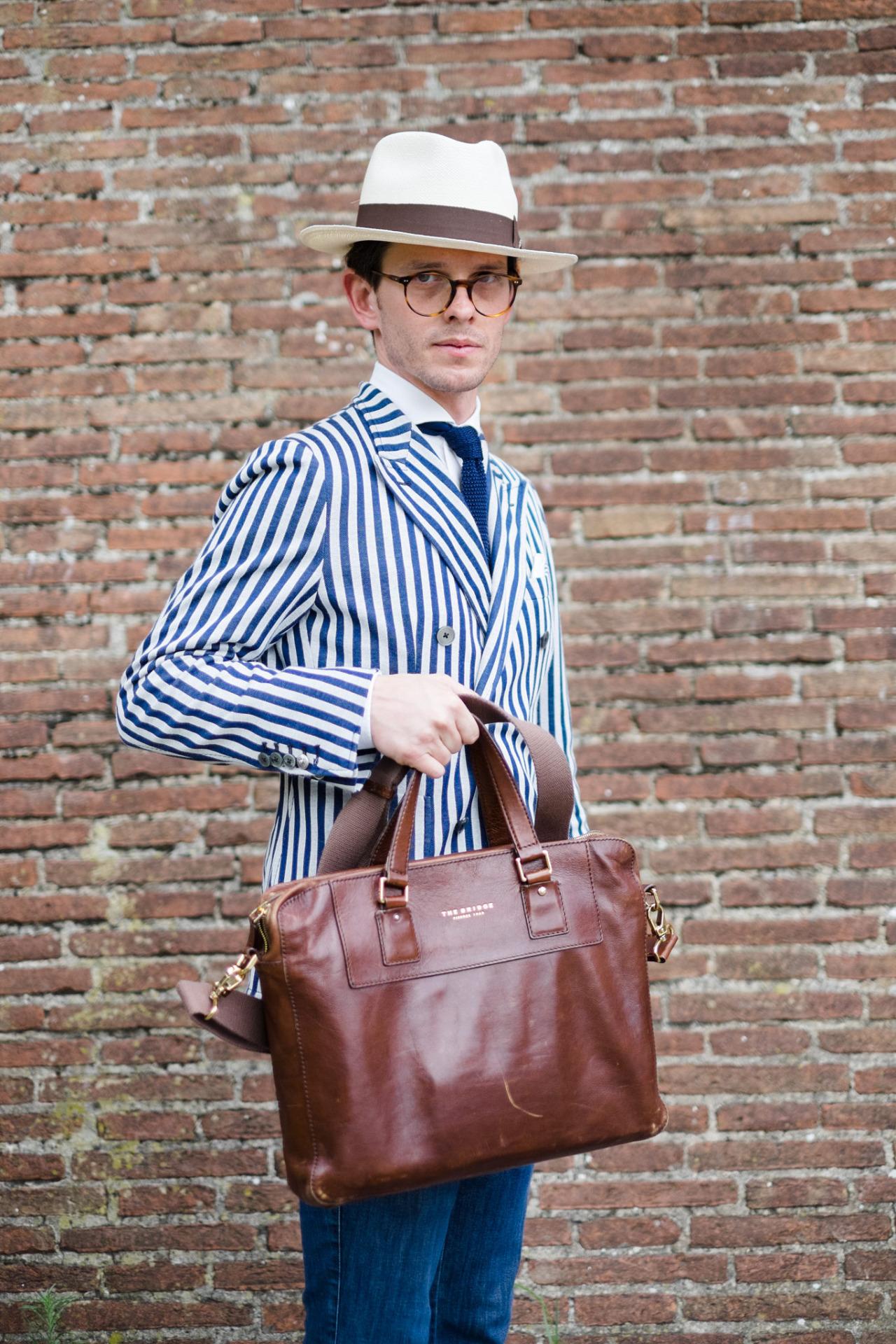 alessandromichelazzi :     88 Pitti Uomo, Firenze  More photos about it:  http://www.alessandromichelazzi.com/88-pitti-uomo-summer-pitticolor-fuji-x-t1/