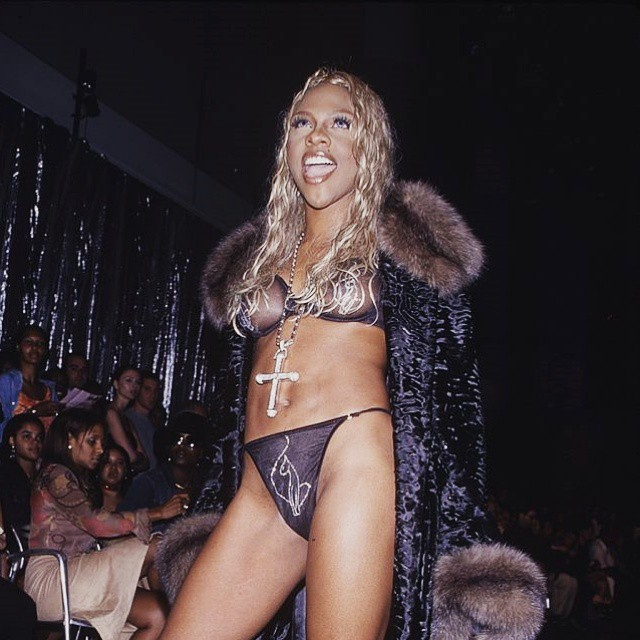 lilkimuk :   Lil' Kim ( Baby Phat Lingerie Fashion Show - 2000 )