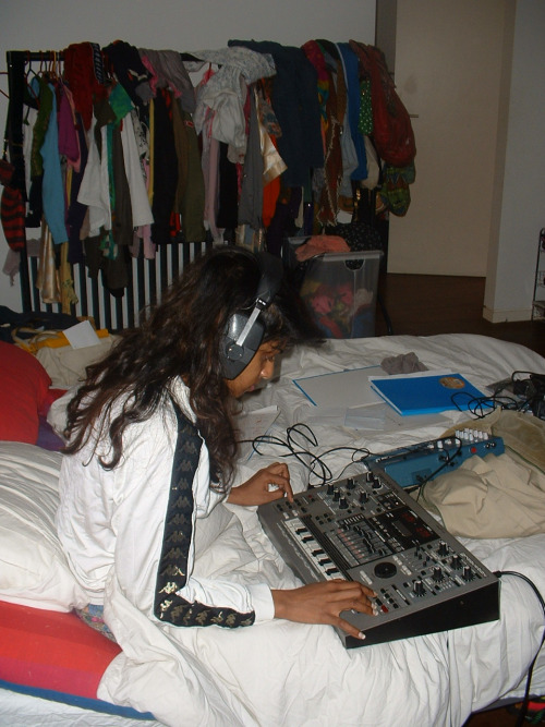 "vandlo :     M.I.A. writing her album ""Arular"" - 2004"