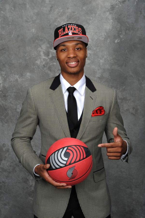 swaggyjs :     Don't think Lillard ever got enough credit for his draft night suit tho.