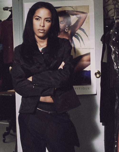 home-of-hip-hop :     Aaliyah was too fine.