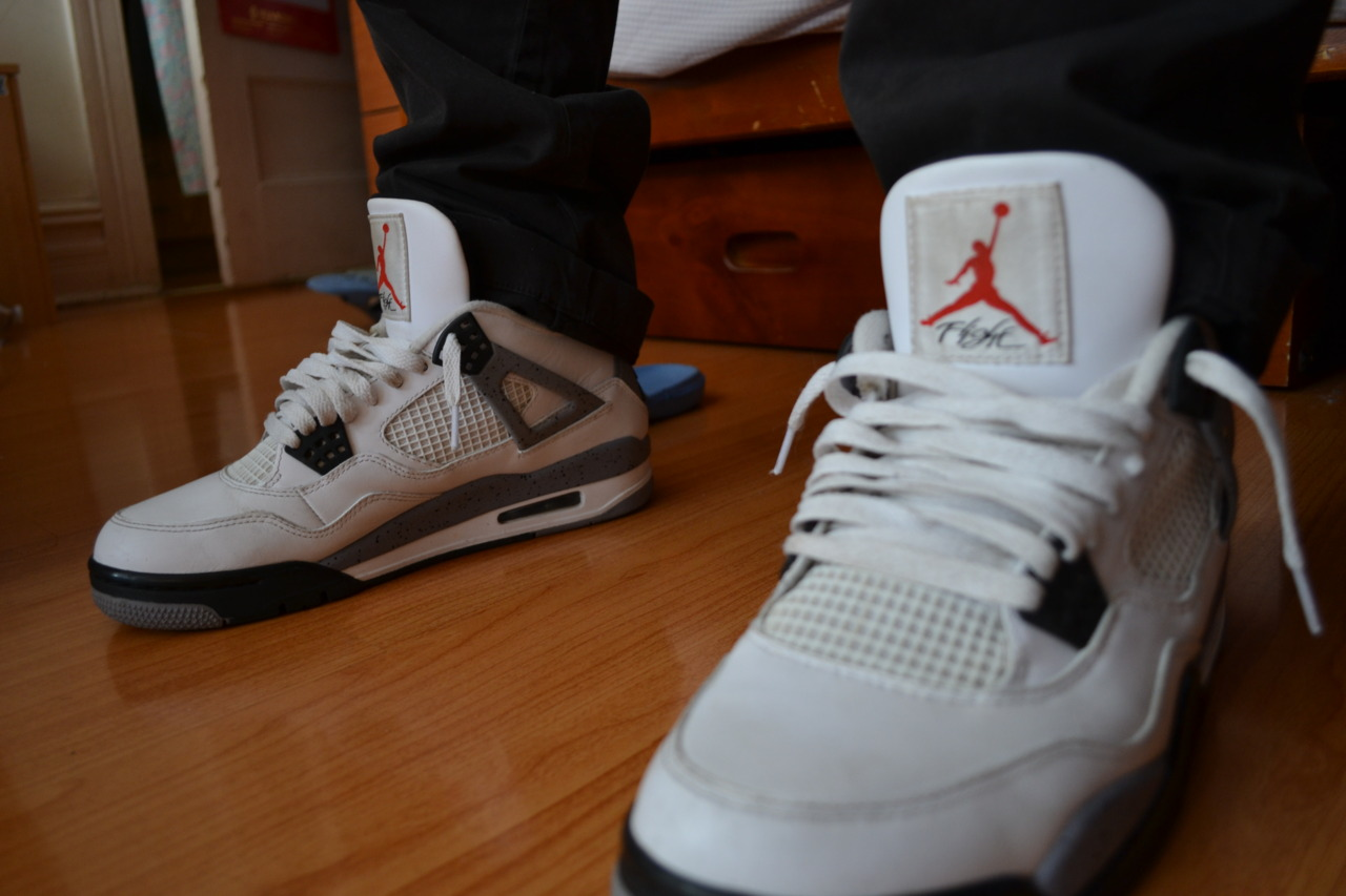 fuckyeahnikes :      2012 White Cement 4s     http://geetran.tumblr.com/