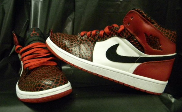 shoeshock :     Air Jordan 1 [ 3M Dragon ]