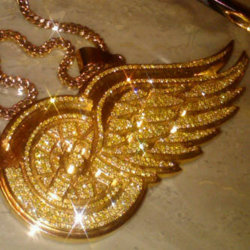 hermesdream :     This nigga @DustyMcfly41 Red Wing piece hard as fuck