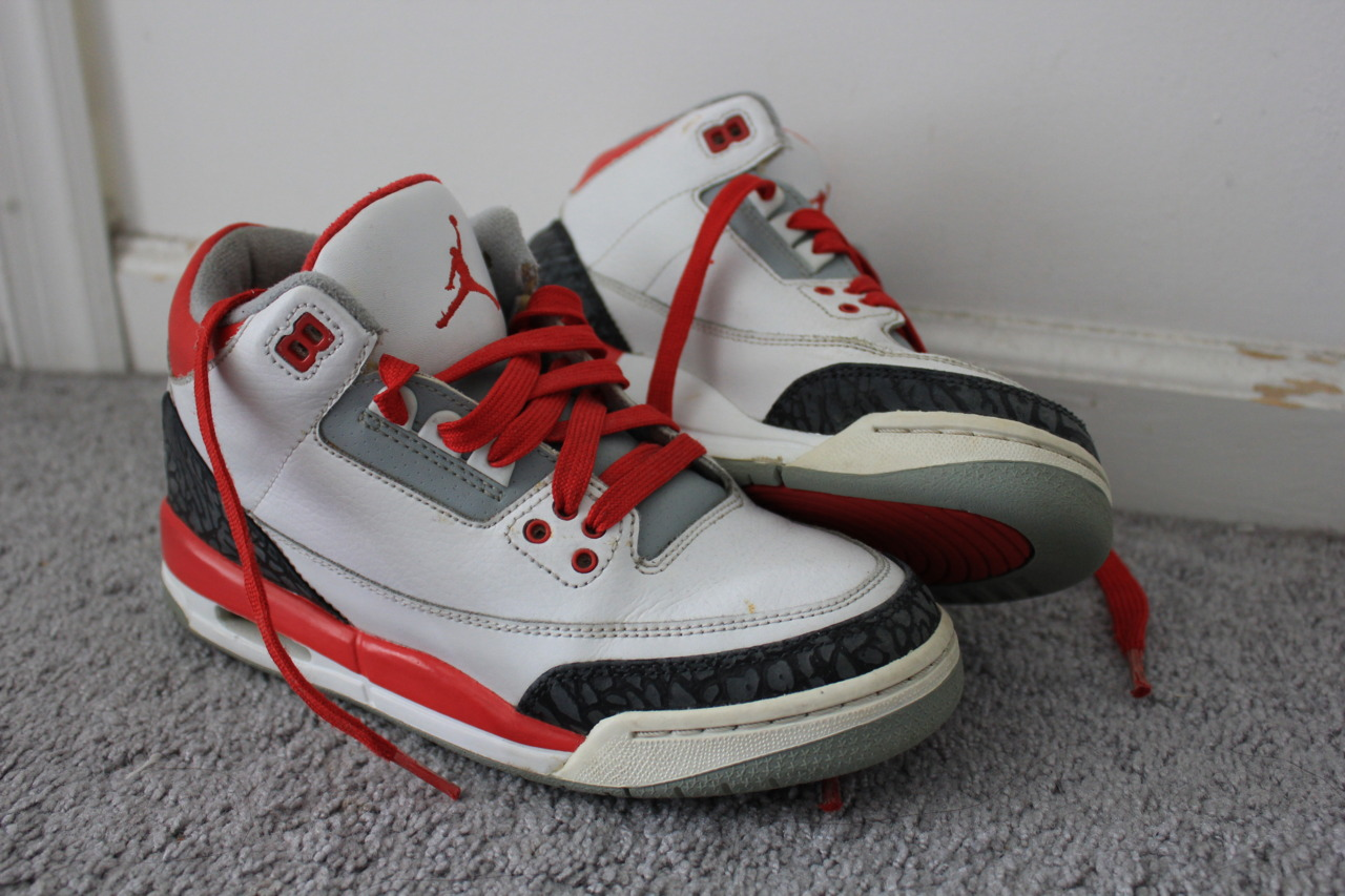 fuckyeahnikes :     Air Jordan 3    http://ohemgeeitsstephanie.tumblr.com