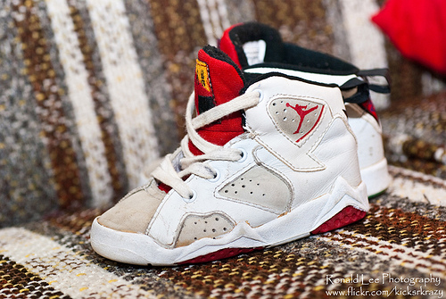 fuckyeahnikes :      OG Baby Hare 7s.    I  ALWAYS  follow back .      http://dayanightwith2hypemike.tumblr.com/
