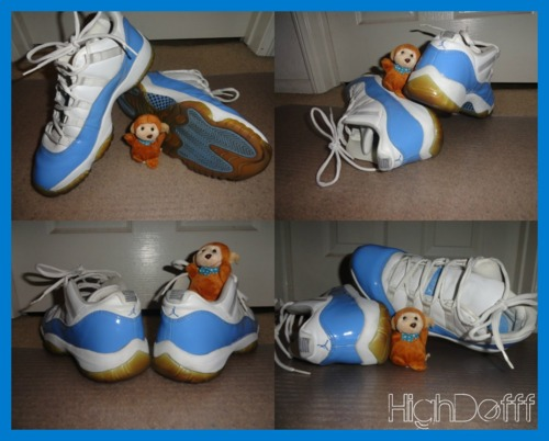 fuckyeahnikes :     NEWEST PICKUP:  jordan 11 carolina lows released back in 2001 no og box or laces though, butt  i really like this shoe and its hella hard to find a pair thats not too yellowed or fucked up-___- wen was the las time u saw a pair of these???   follow if you like kicks:]  http://highdefff.tumblr.com