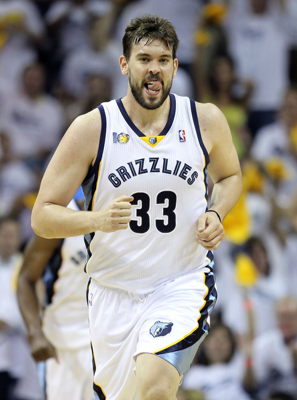 """nbaoffseason :     Pau Gasol's fiancee may have dumped him, but even in defeat, Marc Gasol can have any woman in the city of Memphis tonight.   Does anyone know how you say """"beard ride"""" in Spanish?   ( SK )   (Photo by Andy Lyons/Getty Images)"""