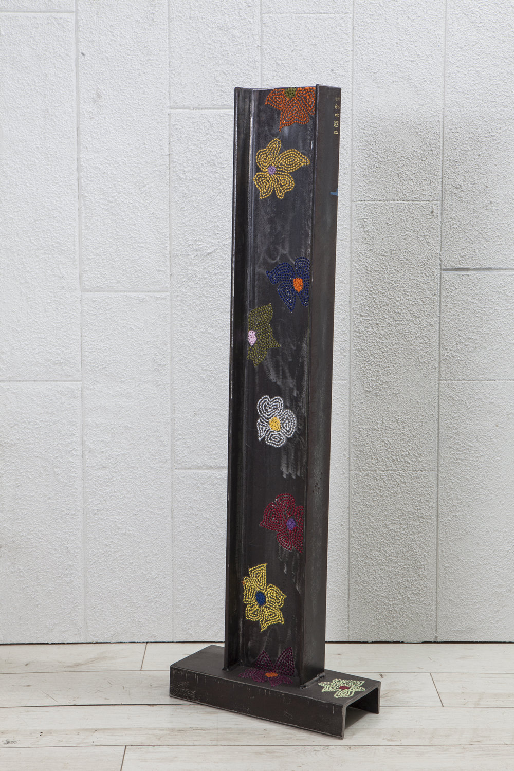 Guy Zagursky, Flowers column, 2017, steel, embroidery, 145x45x20cm.JPG